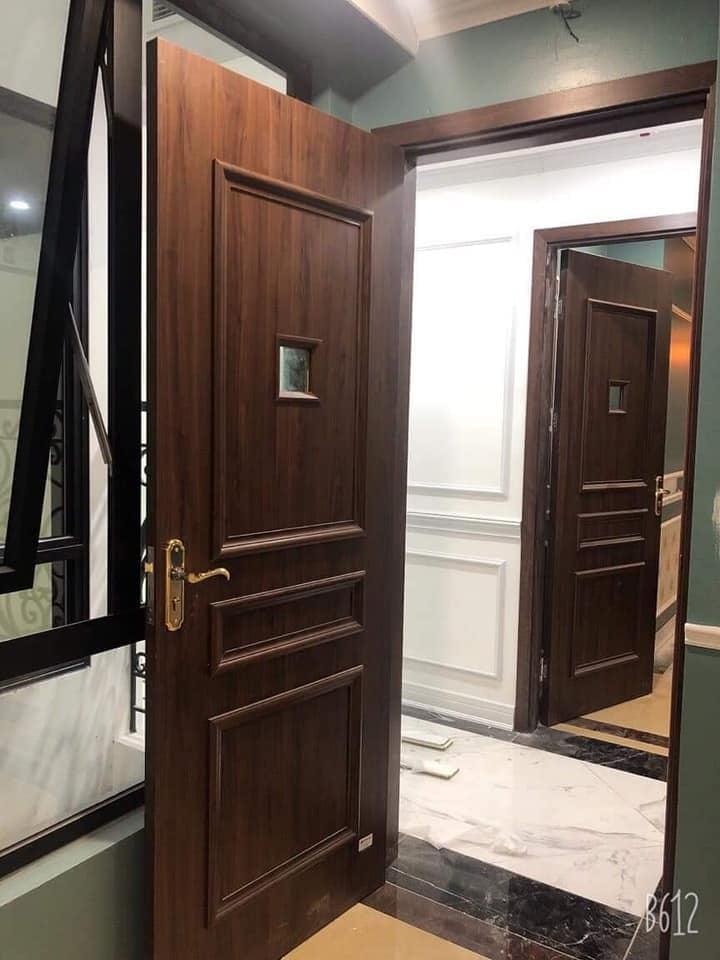 Cửa gỗ nhựa Composite lắp đặt tại Mỹ Đình , Hà Nội