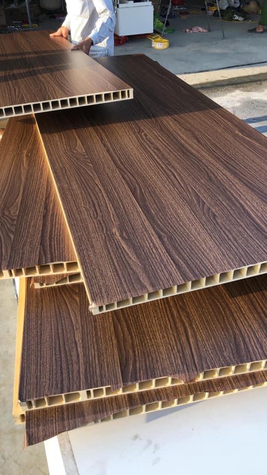 Ecodoor cung cấp và lắp đặt cửa nhựa giả gỗ tại Nha Trang
