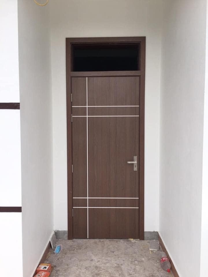 cửa gỗ nhựa composite nhà vệ sinh
